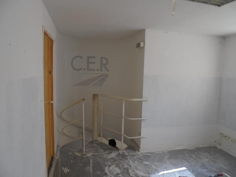 Vente local commercial Nimes 45 000€ - Photo 3