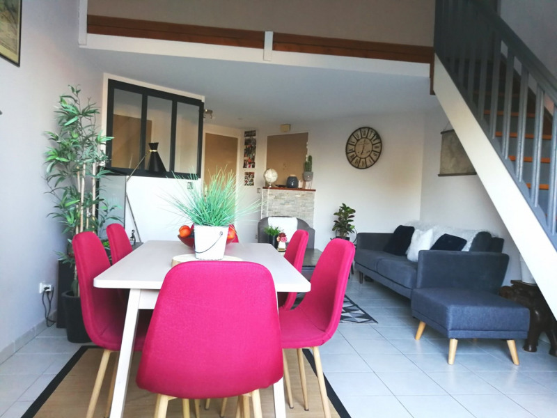 Sale apartment St genis les ollieres 230 000€ - Picture 1