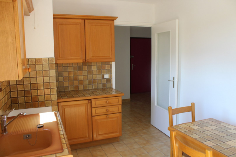 Location appartement Bourgoin jallieu 649€ CC - Photo 6