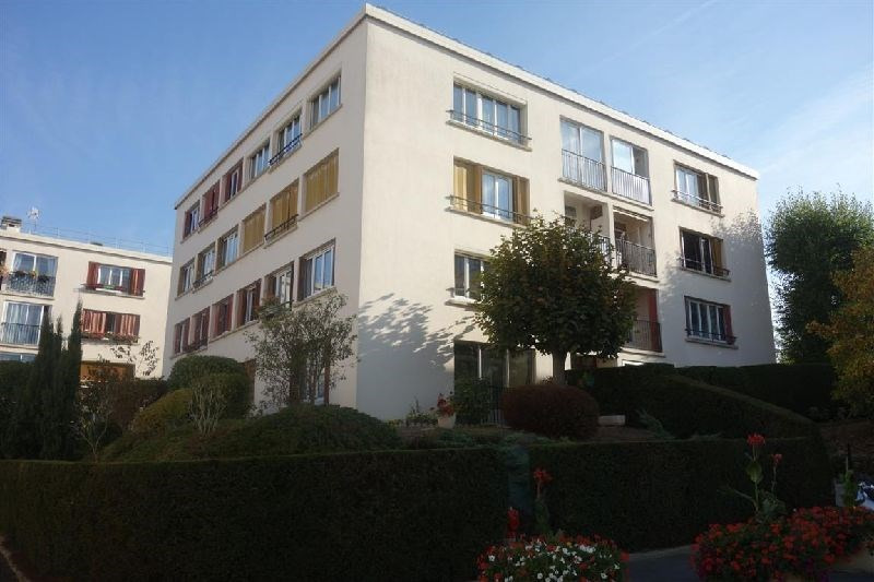 Sale apartment Ste genevieve des bois 175 000€ - Picture 1