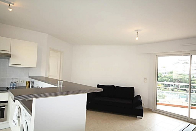 Sale apartment Juan-les-pins 385 000€ - Picture 1