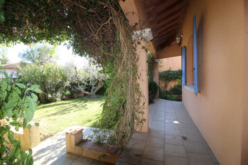 Vente maison / villa Hyeres 420 000€ - Photo 3