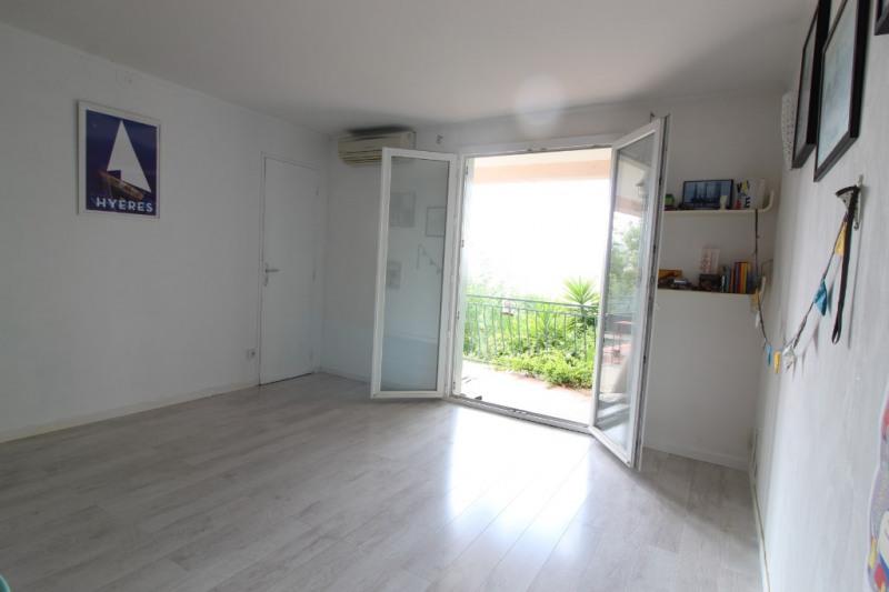 Vendita appartamento Hyeres 203300€ - Fotografia 2