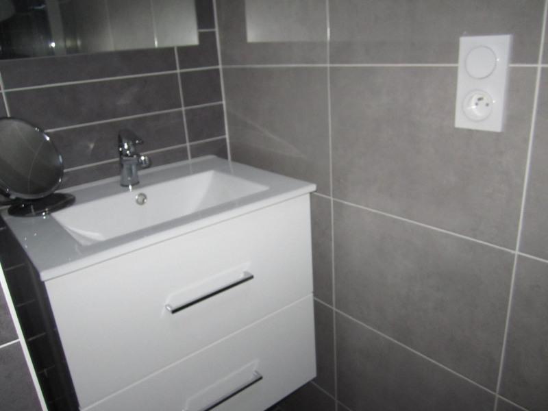 Sale house / villa Criteuil-la-magdeleine 254000€ - Picture 10