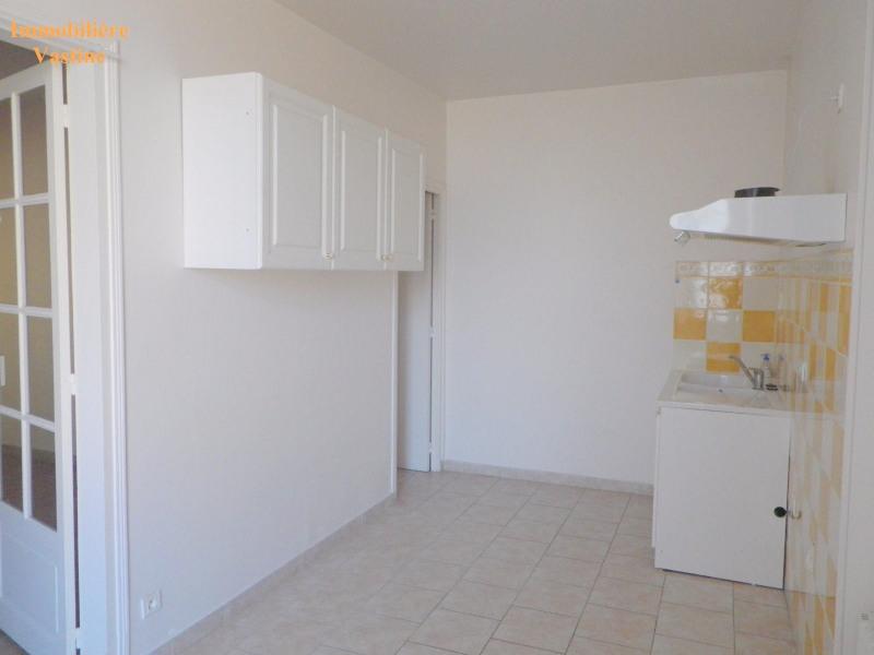 Rental apartment Mont l eveque 730€ CC - Picture 1