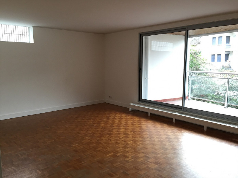 Rental apartment La celle-saint-cloud 2 300€ CC - Picture 1