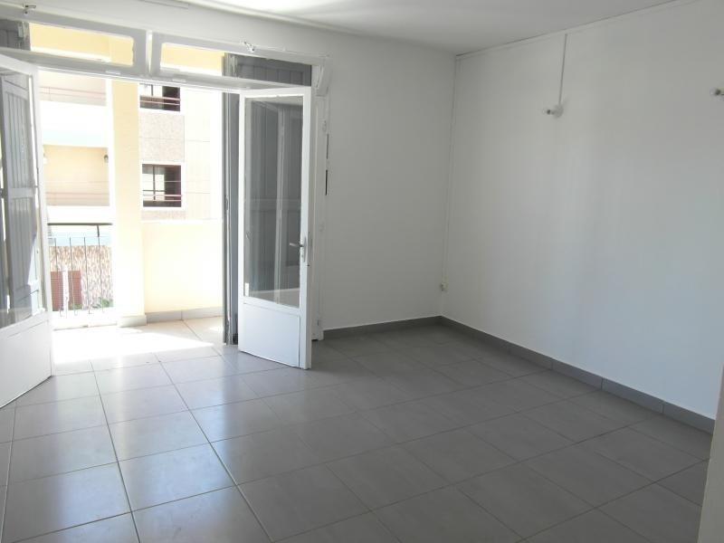 Sale apartment St denis 150000€ - Picture 2