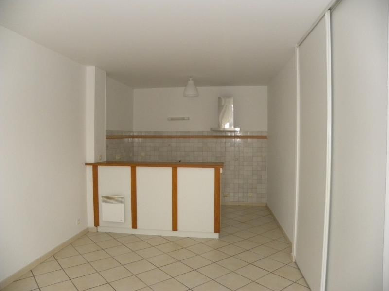 Rental apartment St jean pied de port 496€ CC - Picture 6