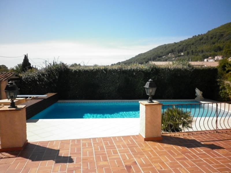 Deluxe sale house / villa Cuers 579000€ - Picture 1