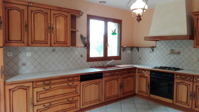 Revenda casa Montseveroux 270000€ - Fotografia 6