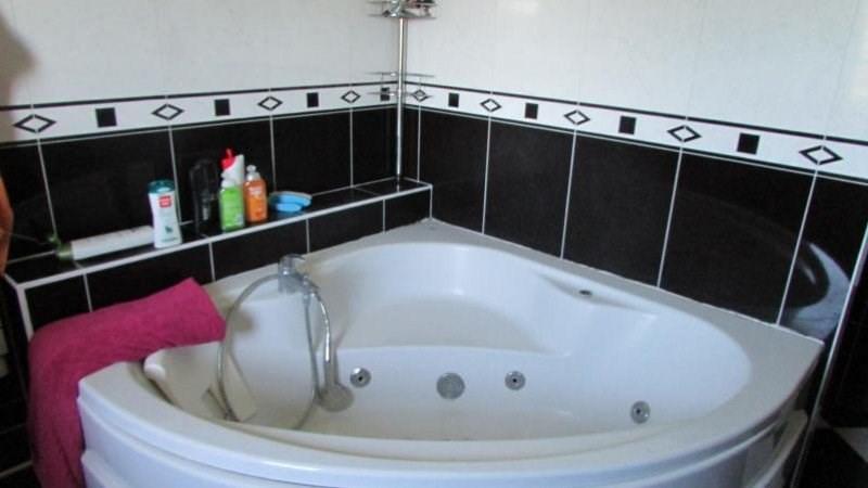 Sale house / villa Norolles 337600€ - Picture 9