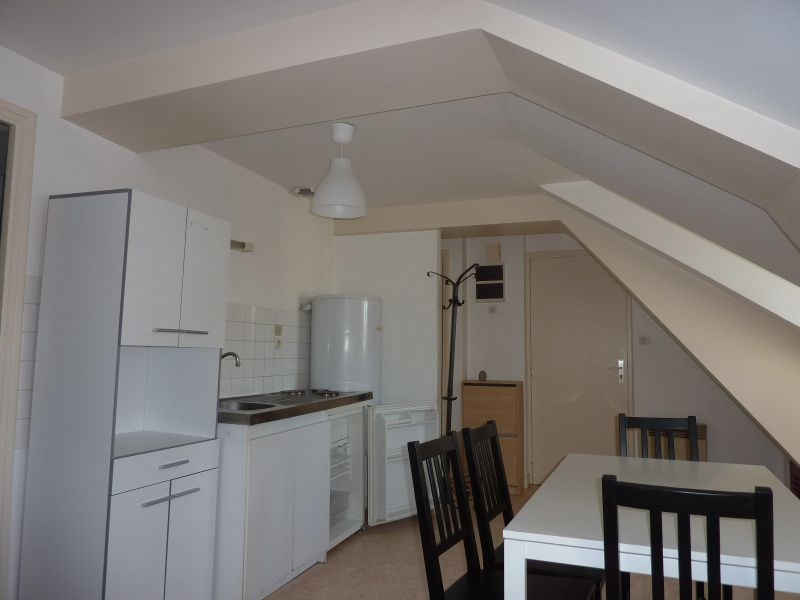 Rental apartment Pontivy 322€ CC - Picture 3