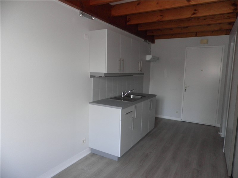 Rental apartment St pere en retz 450€ CC - Picture 2