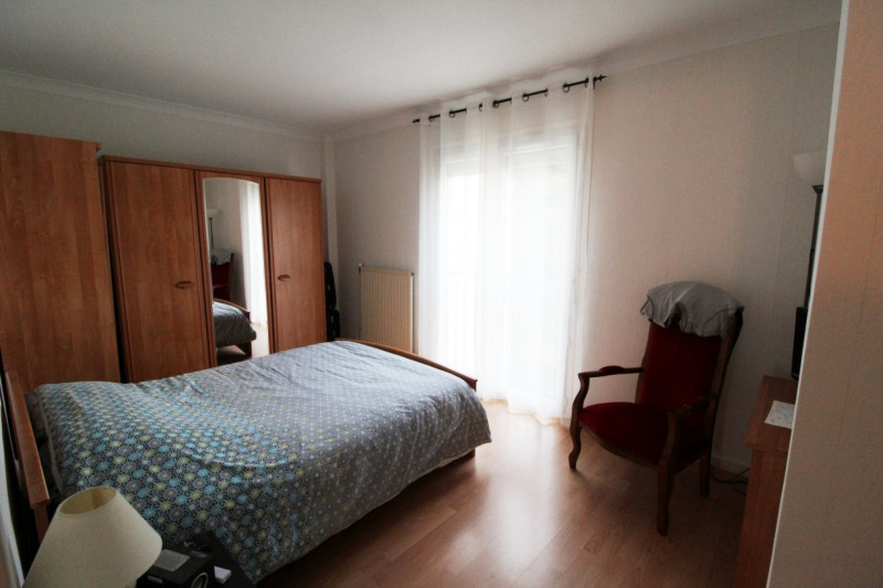 Location maison / villa Elancourt 1 291€ CC - Photo 5
