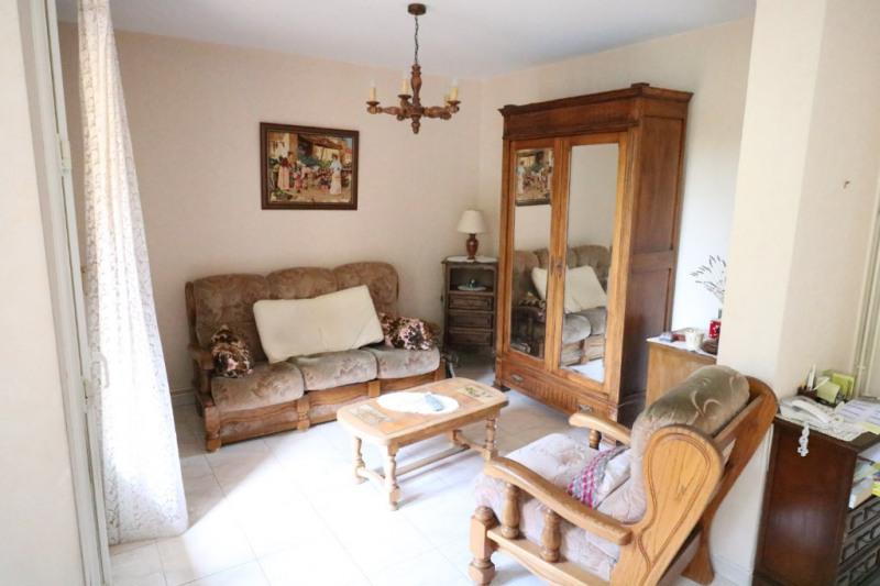 Sale apartment Salon de provence 136500€ - Picture 4