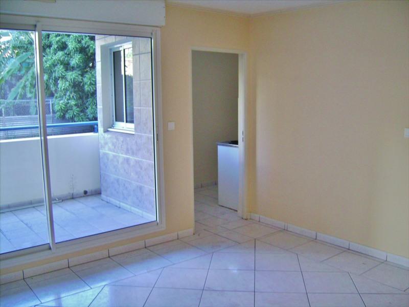 Affitto appartamento Saint denis 534€ CC - Fotografia 1