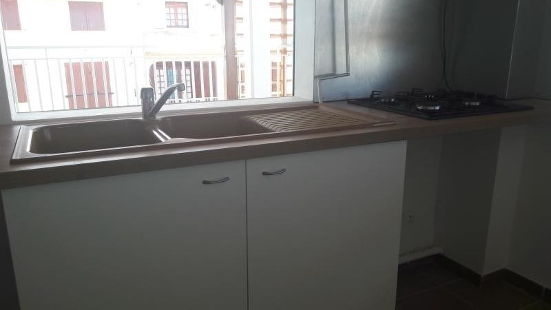 Location appartement Le moule 649€ CC - Photo 6