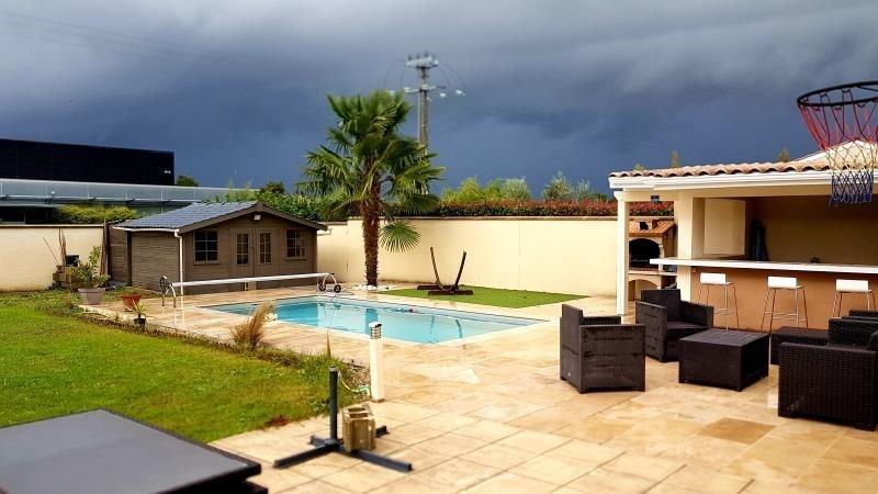 Rental house / villa La lande de fronsac 1100€ CC - Picture 1