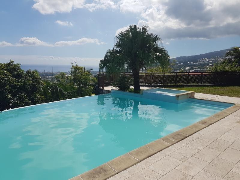Deluxe sale house / villa La possession 725000€ - Picture 2