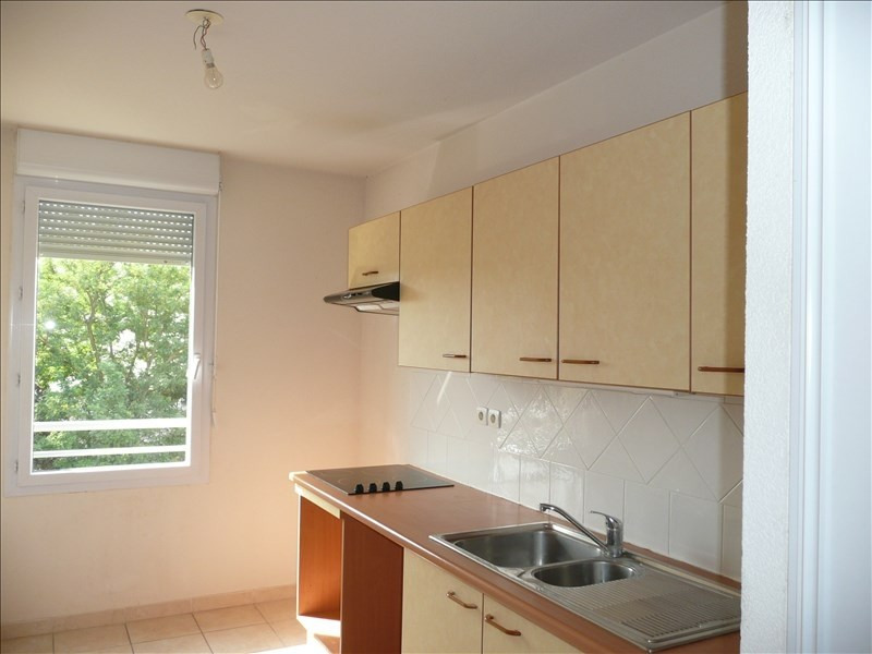 Location appartement Salon de provence 866€ CC - Photo 2