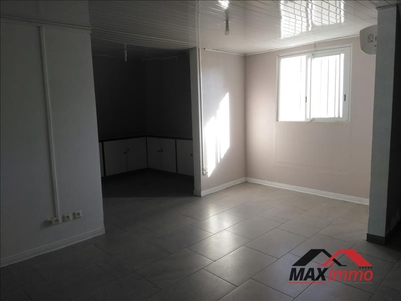 Location local commercial St denis 1 382€ HT/HC - Photo 3