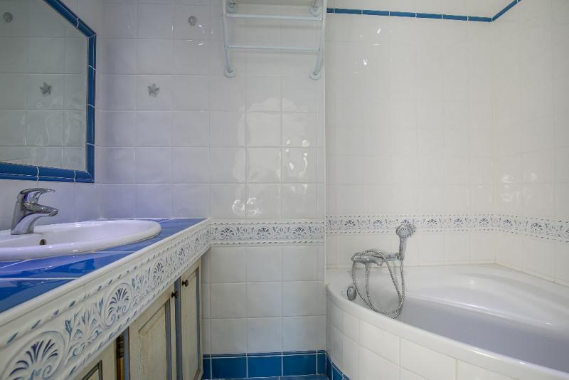 Vente maison / villa Les milles 505000€ - Photo 7