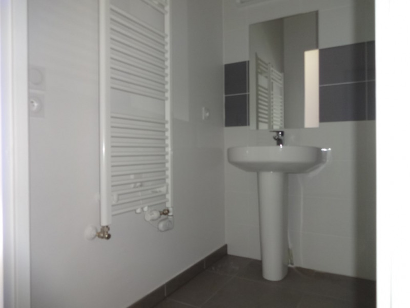 Rental apartment Chambery 650€ CC - Picture 5