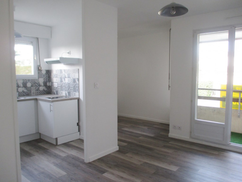 Location appartement Lucon 370€ CC - Photo 1