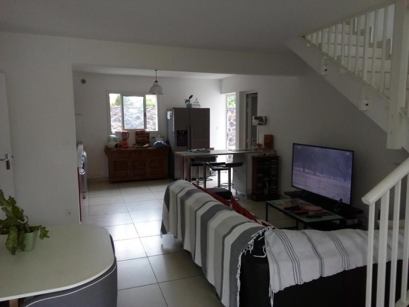 Location maison / villa Ravine des cabris 1045€ CC - Photo 3