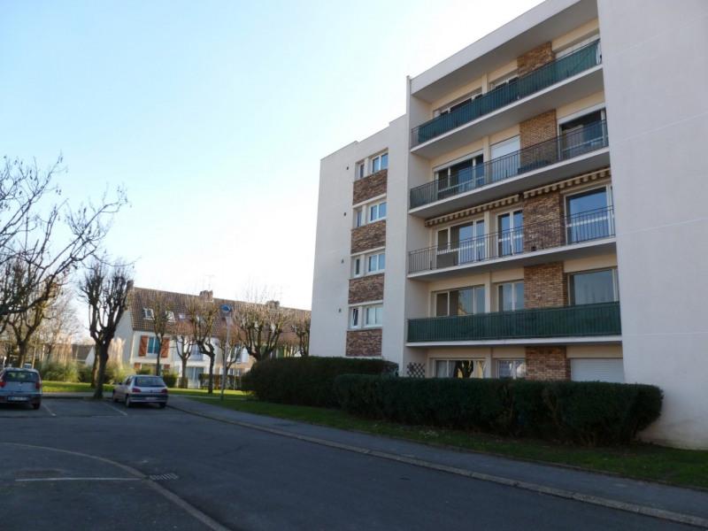 Rental apartment Maurepas 801€ CC - Picture 3