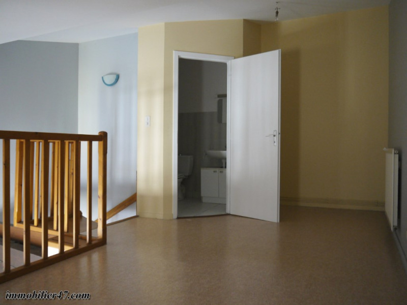 Rental apartment Montpezat 300€ CC - Picture 4