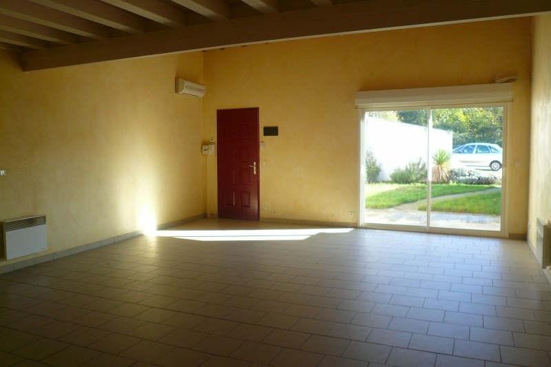 Location maison / villa St andre de cubzac 682€ CC - Photo 3
