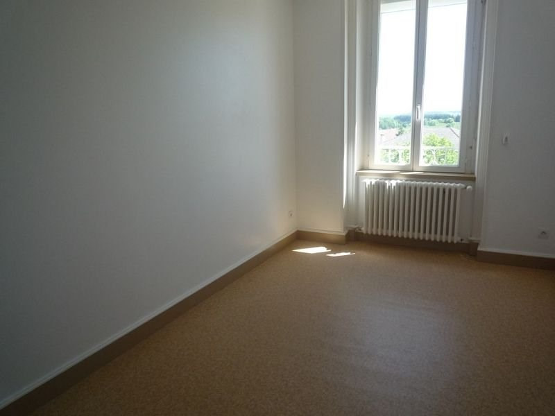 Rental apartment St agreve 454€ CC - Picture 2