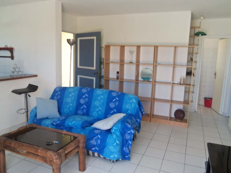 Rental apartment St francois 800€ CC - Picture 2