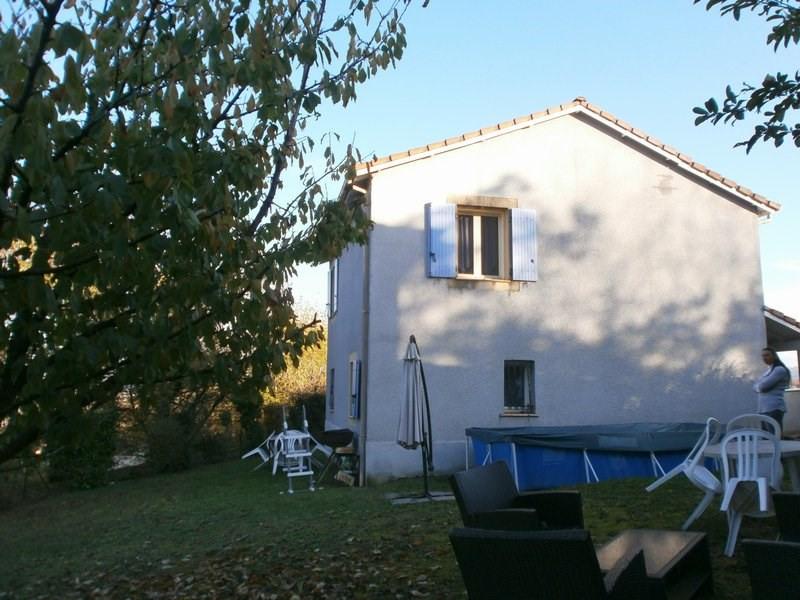 Sale house / villa L isle d'abeau 220000€ - Picture 2