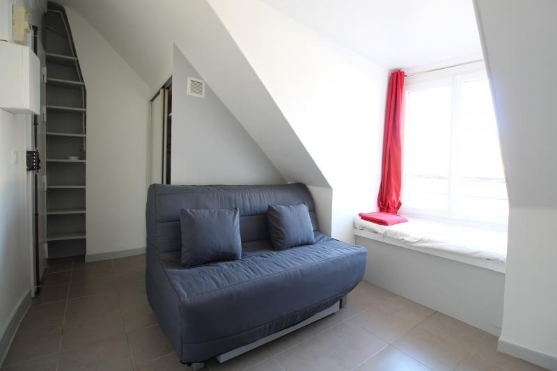 Rental apartment Paris 9ème 825€ CC - Picture 2