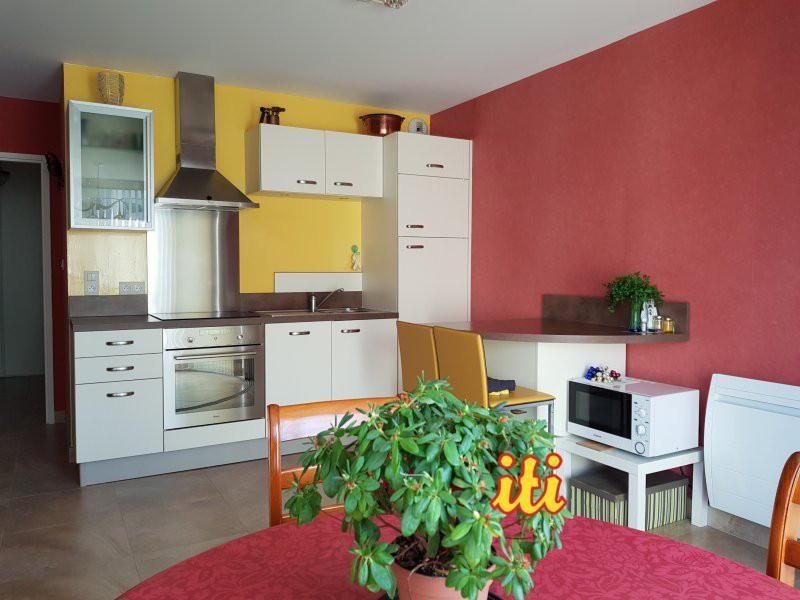 Sale apartment Les sables d'olonne 229000€ - Picture 1