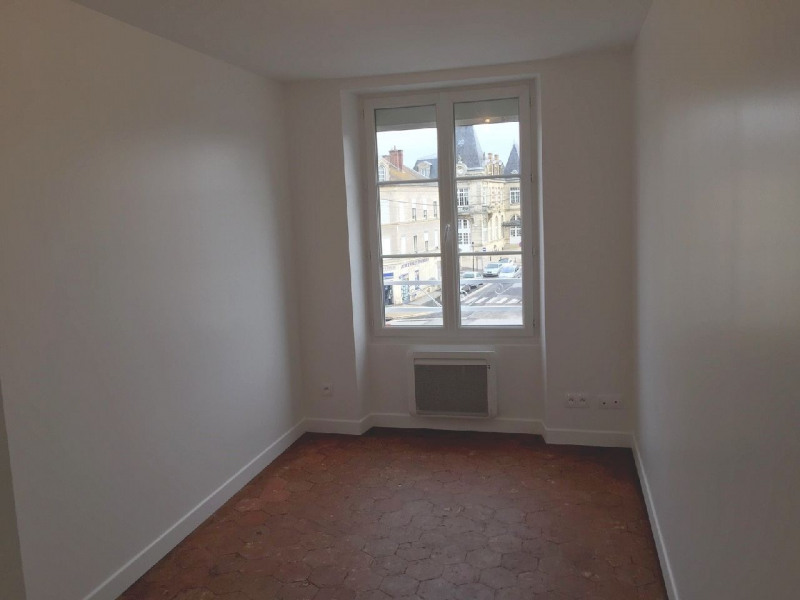 Rental apartment Neuilly en thelle 887€ CC - Picture 4