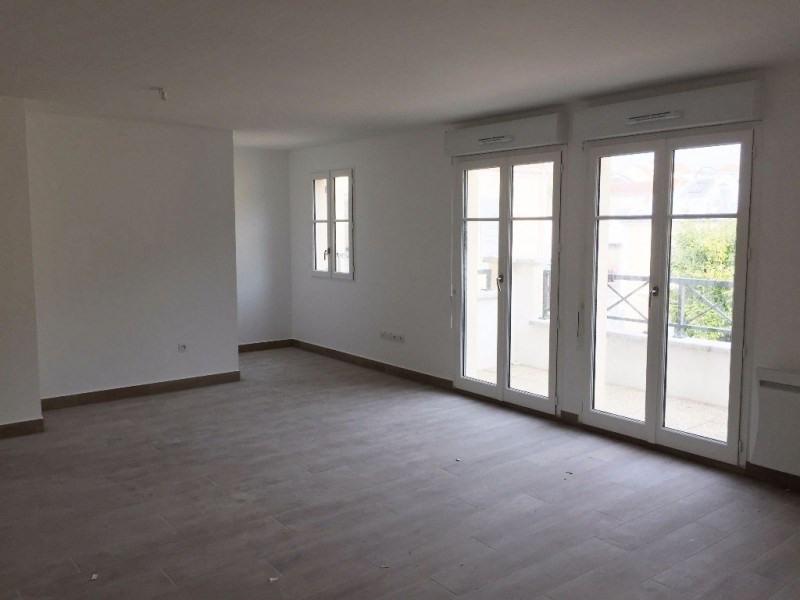 Rental apartment Buc 1100€ CC - Picture 1