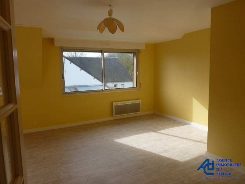 Location appartement Pontivy 411€ CC - Photo 1