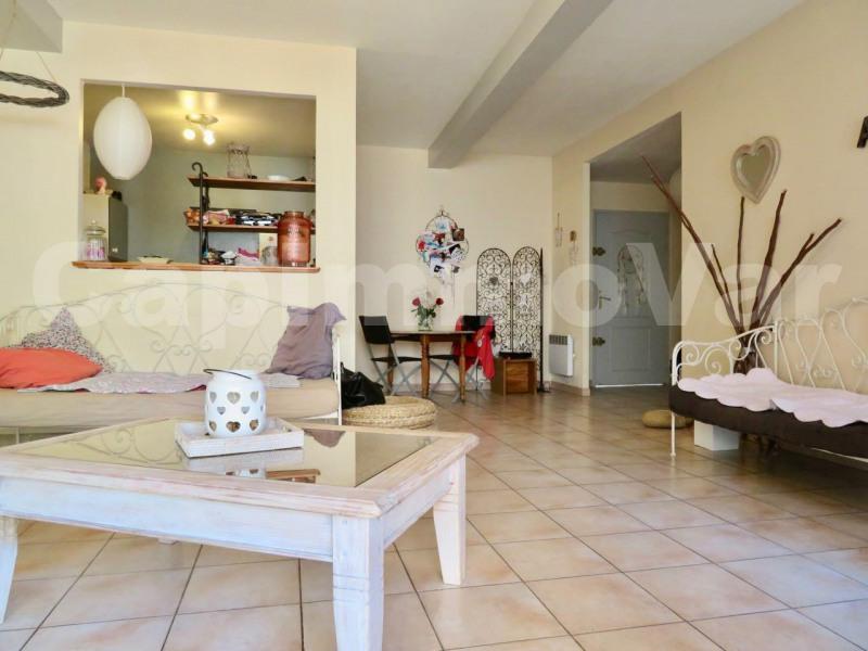 Sale apartment Le beausset 194000€ - Picture 2