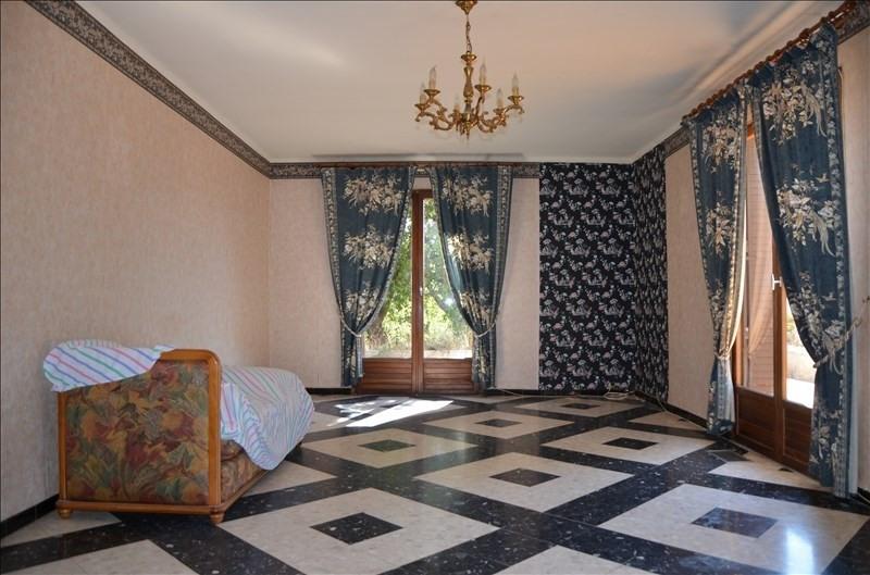 Sale house / villa Ruoms 201400€ - Picture 2