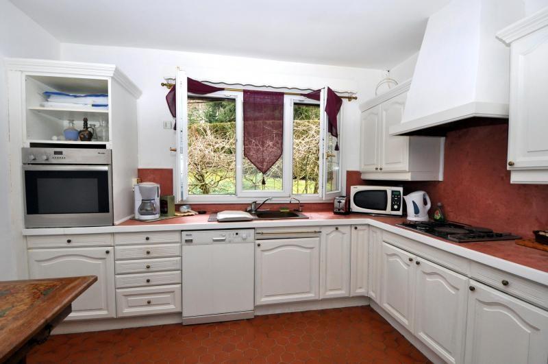 Sale house / villa St cheron 299000€ - Picture 5