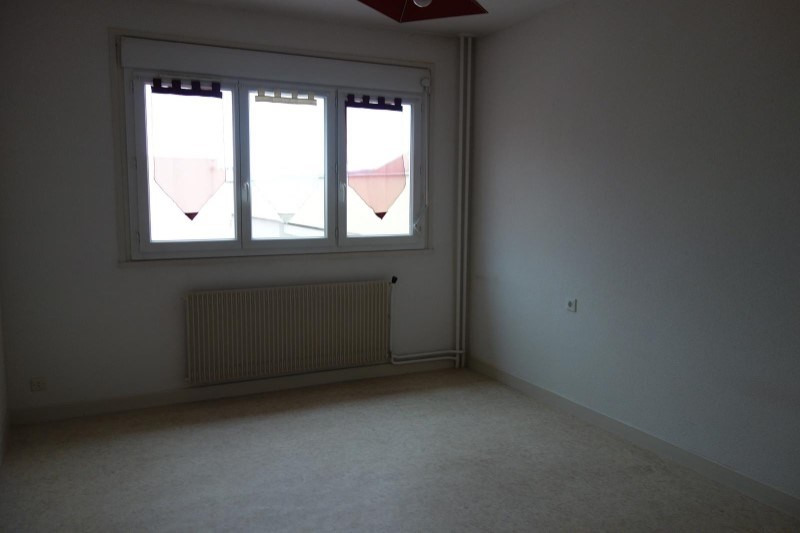 Rental apartment Le coteau 643€ CC - Picture 5