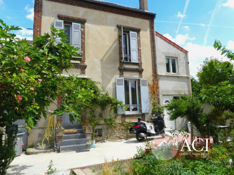 Sale house / villa Montmagny 367 500€ - Picture 1