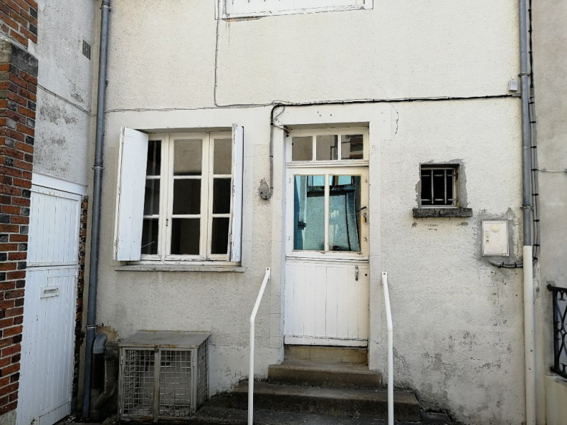 Sale house / villa Chateau renault 18 000€ - Picture 1