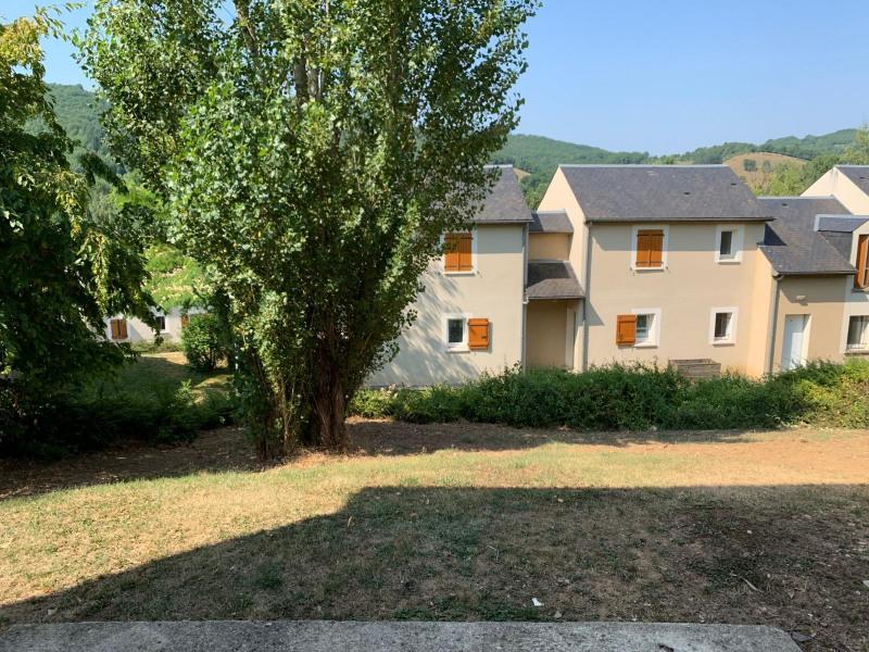 Sale house / villa Saint-geniez-d_olt 57350€ - Picture 5