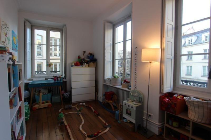 Sale apartment Paris 3ème 990000€ - Picture 2