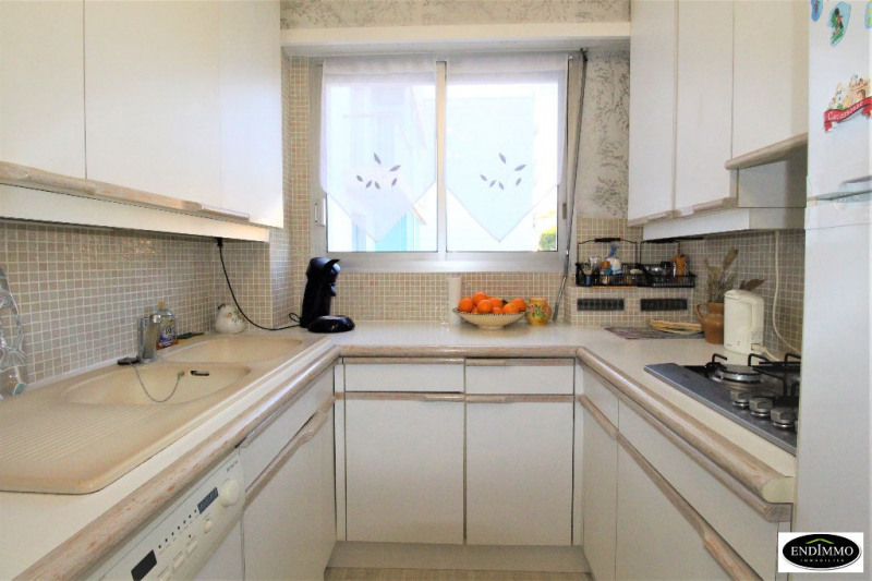 Sale apartment Saint laurent du var 259 000€ - Picture 3