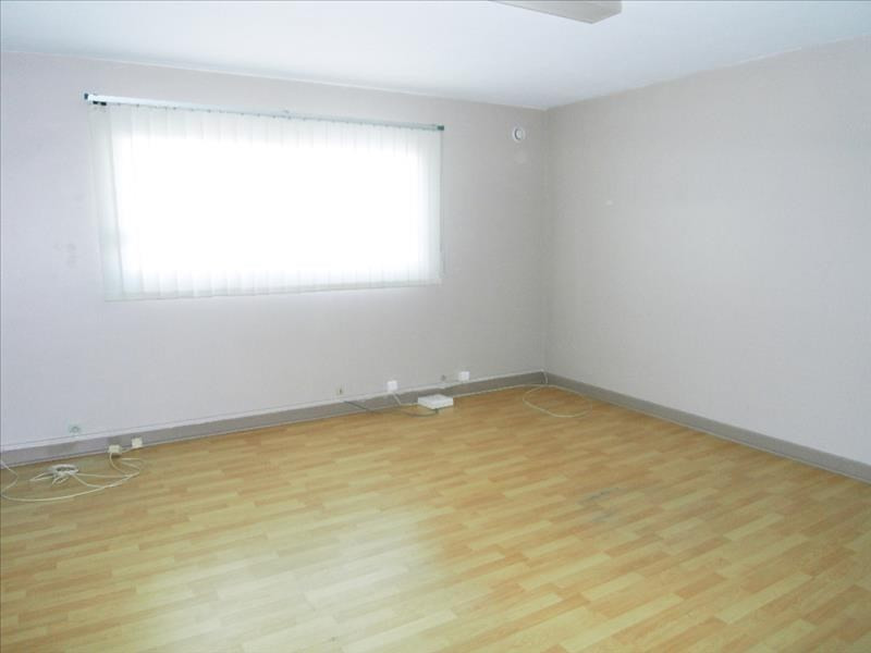 Rental empty room/storage Chateaubernard 590€ HT/HC - Picture 3